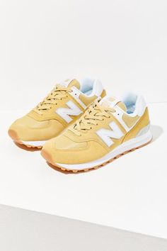 a40b9e26440 Check out New Balance 574 Core Sneaker from Urban Outfitters Nya  Balansskor, Ny Balans Outfit
