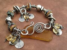 Use of hardware components, note wire wrapped screw-eyes at claspUse of hardware components, note wire wrapped screw-eyes at clasp Funky Jewelry, Metal Jewelry, Boho Jewelry, Jewelry Art, Beaded Jewelry, Jewelry Ideas, Jewelry Clasps, Wire Wrapped Jewelry, Jewelery