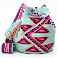 """Convenient roomy bag - a """"bucket"""" has long been used by the Indians of South America. Colombian women weaved such bags for their men. They went to work with them, carried food and tools in a shoulder Tapestry Bag, Tapestry Crochet, Knit Crochet, Crochet Handbags, Crochet Purses, Crochet Bags, Mochila Crochet, Boho Bags, Knitted Bags"""