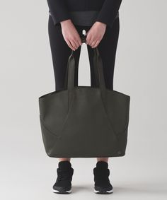 16665d89ef This bag was designed to be a catch all for your daily essentials with a  removable