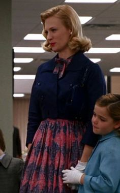 Betty Draper's full skirt dress with cropped jacket on Mad Men.  Outfit Details: http://wornontv.net/5624/ #MadMen