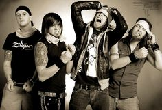 Bullet for my Valentine - photo from web. Music X, Music Bands, Rock Music, Jake Pitts, Andy Biersack, Black Veil Brides, Bullet For Valentine, 2000s Bands, Killswitch Engage