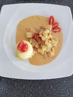 Low-carb Hähnchenbrust mit Zucchini und Tomaten in cremiger Frischkäsesauce, ein leckeres Rezept mit Bild aus der Kategorie Trennkost. 145 Bewertungen: Ø 4,5. Tags: Braten, Geflügel, Gemüse, Hauptspeise, Trennkost