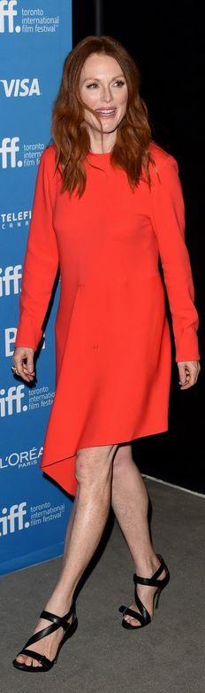 Julianne Moore: Dress – Stella McCartney  Shoes – Nicholas Kirkwood