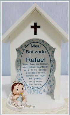 Capelinha em MDF com Anjinho e oração do Santo Anjo.
