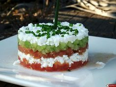 C'est Bon ? Tartare tomate, concombre, feta (KMD – how excited I am to make this when my garden tomatoes ripen! Tapas, Salty Foods, Cooking Recipes, Healthy Recipes, Healthy Snacks, Cooking Chef, Queso Feta, No Cook Meals, Food Inspiration