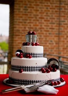 Red, white and blue wedding inspiration | photo by Lindsay Docherty | 100 Layer Cake