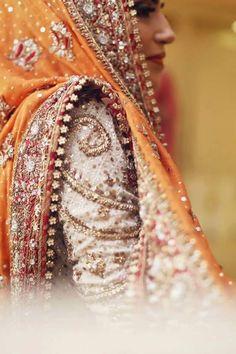 Pakistani Bride in Bunto Kazmi