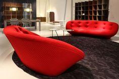 Ploum by Ligne Roset White Dining Table, Ligne Roset, Red Sofa, Bean Bag Chair, Beautiful Homes, Living Room, House Styles, Furniture, Home Decor