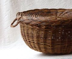 Willow Basket with Lid and Handles by ProfessorTiny on Etsy