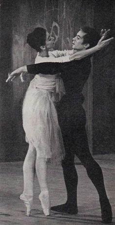 Margot Fonteyn e Rudolf Nureyev Margot Fonteyn, Most Beautiful Words, Ballet Beautiful, Shall We Dance, Lets Dance, Ana Pavlova, Rudolf Nurejew, Dance Magazine, Dancer Photography