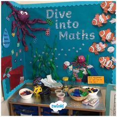 A gorgeous maths display by Twinkl member, Eve ❤ A great idea for your back to school displays, perfect with our Maths resources! Nursery Display Boards, Classroom Display Boards, Display Boards For School, Reception Classroom Ideas, Primary Classroom Displays, Ks1 Classroom, Year 1 Classroom Layout, Preschool Displays, Teaching Displays