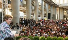 """A presidente Dilma Rousseff fez nesta quarta (16) um duro discurso contra o processo de impeachment; ela afirmou que a iniciativa é """"golpe"""" porque não há motivos para afastá-la do Palácio do Planalto; Dilma lembrou ainda o período da ditadura militar, ao afirmar que o Brasil vive um momento de """"batalha"""", que """"ditará os rumos do país por muito tempo""""; """"A Constituição brasileira prevê sim esse processo. O que ela não prevê é a invenção de motivos. Isso não está previsto em nenhuma…"""