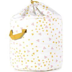Ce sac de rangement apportera ordre et style aux espaces dédiés aux enfants! Il est conçu pour regrouper tous les objets importants que vous souhaitez garder à portée de main. Jouets, couvertures et animaux en peluche occuperont désormais une place de choix.
