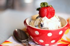 Brunch N' Cupcakes: {Greek Frozen Yogurt with Berries and Honey}