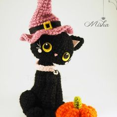 This sweet Amigurumi Halloween Black Cat Free Crochet Pattern will be a great decoration for fall. Halloween Crochet Patterns, Crochet Cat Pattern, Crochet Animal Patterns, Crochet Patterns Amigurumi, Stuffed Animal Patterns, Crochet Dolls, Free Crochet, Free Pattern, Hat Crochet