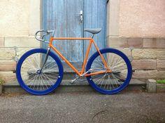 Pignon fixe Motobécane orange et bleu !