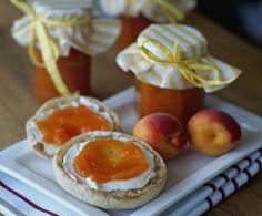 Aprikosenmarmelade mit Holunderblütensirup