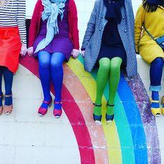 Une belle rencontre au pied de l'arc-en-ciel ! #teamrainbowclogs ❤ @lagreengeorgette @luciolepaillette @ernestaglaeetmarcelle @rainbow_souk #jaimelanjou #instameet #anjou #clogs #sweedishhasbeens #lottafromstockholm #colors #colorfull #angers #angersmaville