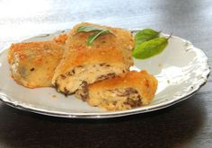 Krokiety z pieczarkami i serem żółtym - DoradcaSmaku - ten przepis cieszy się popularnością, sprawdź. Meat, Chicken, Food, Essen, Meals, Yemek, Eten, Cubs
