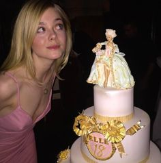 Birthday bash: In the sweet snap, the younger sister of Dakota Fanning can be seen looking mischievously past a massive birthday cake covered in gold frosting and ribbons Dakota Fanning, Ellie Fanning, Birthday Bash, Girl Birthday, Happy Birthday, Fanning Sisters, Young Actresses, Poses, New Girl