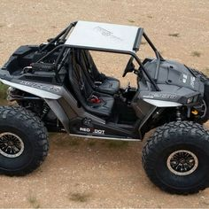 Another Shot of that Crazy RZR with on it. Is it still a RZR? Or has it moved up to Rock a Bouncing status? At Least Rock Crawling Status for sure. Suzuki Vitara 4x4, Go Kart Buggy, Living In Car, Polaris Rzr Xp 1000, Riding Quotes, Drift Trike, Truck Tyres, Cars And Coffee, Turbo S