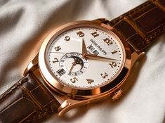 Moonphase Watch, Patek Philippe, Moon Phases, Omega Watch, Calendar, Watches, Accessories, Clocks, Clock