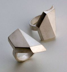 zoeneverdreams:  Regine Schwarzer jewellery designs: GeoMorphing Rings