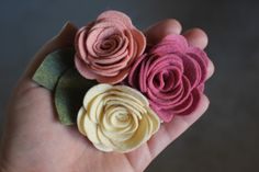 {whimsy lane} blog: Felt Rose Brooch Tutorial
