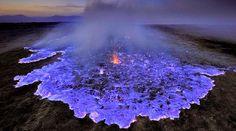 Kawah Ijen, el volcán que escupe llamas azules