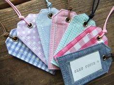Crafts To Sell, Diy And Crafts, Fabric Cards, Hang Tags, Design Crafts, Machine Embroidery Designs, Sewing Projects, Sewing Patterns, Coin Purse