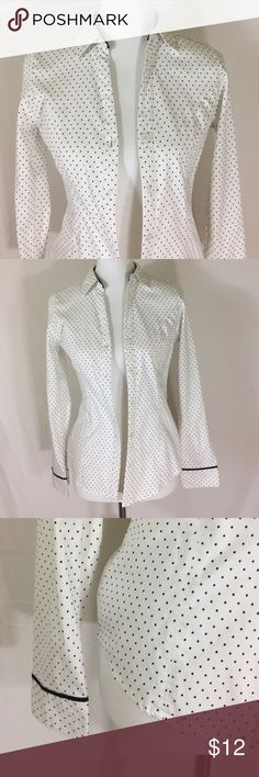 ✨FINAL PRICE ✨White button down w/ black pin dots White button down w/ black pin dots. Excellent condition Maurices Tops Button Down Shirts