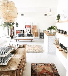 Love the studio of @greenbody_greenhome - beautiful!   @greenbody_greenhome #studio #bohointerior #SINNERLIG