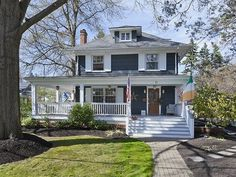Ideas for exterior paint colora for house with porch dream homes Exterior Paint Colors, Exterior House Colors, Paint Colors For Home, Exterior Design, Gray Exterior, Colonial House Exteriors, Four Square Homes, American Houses, Craftsman Bungalows
