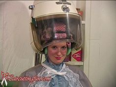 Interesting Hairdressing Tips You Should Use – Hair Wonders Permed Hairstyles, Cool Hairstyles, Short Bob Styles, Permanent Waves, Hair Nets, Hair Setting, Hair And Beauty Salon, Roller Set, Curlers