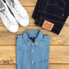 Every guy needs a chambray shirt. The texture is a little bit different and goes well with jeans. This one from @hm is nice for the price. #tngtriangle  @levis jeans @adidasoriginals #stansmith by thenortherngent