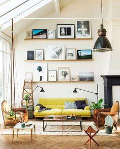 Ter em casa uma composição de quadros e adornos na parede virou moda. Confira o passo a passo e divirta-se decorando