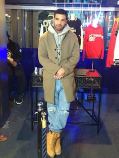 welcometoclub-paradise:  Drake at browns in London 3/27/14