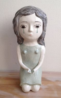 Nathalie Choux - Fans of cutesy arts and crafts will find these Nathalie Choux creations irresistible. Using ceramics, the talented artist sculpts oddball creations. Ceramic Figures, Ceramic Art, Bjd, Pottery Sculpture, Ceramic Sculptures, Type Illustration, French Artists, Deco, Surrealism