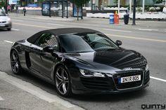 Black Audi r8 spyder