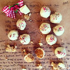 These GingerBread Cookies Dough Truffles are cheap, simple, easy and the perfect edible present for Christmas. Homemade presents - now there's no excuse!