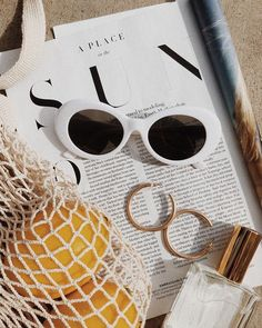 Cecil White and Pink Sunglasses – flatlay – – Jewelry 2020 Beach Aesthetic, Summer Aesthetic, Aesthetic Vintage, Summer Feeling, Summer Vibes, Weekend Vibes, Womens Fashion Online, Latest Fashion For Women, Look 80s