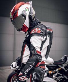_ by & album from the Elena What's Your Dream Bike ? KTM Superduke 1290 R ! Credit goes to… Protective gear in spo Duke Motorcycle, Duke Bike, Custom Motorcycle Helmets, Motorcycle Jackets, Ducati Motorbike, Suzuki Motorcycle, Moto Bike, Bike Couple, Biker Gear