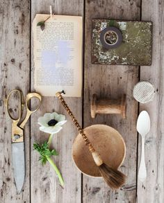 loving natural textures with a brown/gray/cream palette.  green has always been a fav, so i love that thrown in too
