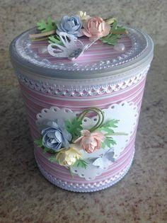 Reciclagem de lata de leite de Tania Mello