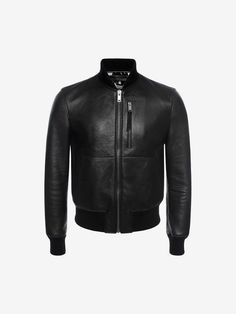 new arrival f2802 b522c Discover luxury Pre Springsummer 2017 Collection for Men from the Autumn  Winter collection by Alexander McQueen.
