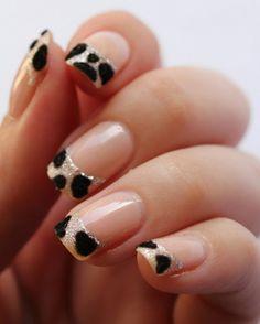french nail art in schwarz-weiß