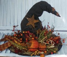 Witch Hat Center Piece E-Pattern - 15 inch Large Witch Hat - Fall Witch Hat Pattern - Fall Home Decor - Autumn Home Accent - Black Witch Hat - scarecrow - fun craft Country Halloween, Halloween Home Decor, Fall Home Decor, Autumn Home, Holidays Halloween, Halloween Crafts, Holiday Crafts, Halloween Decorations, Samhain Decorations