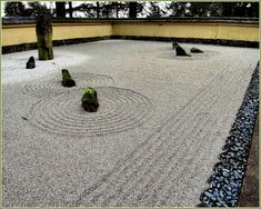 Hottest Free of Charge japanese garden sand Tips Japan gardens are common gardens that induce tiny idealized panoramas, normally in an extremely subjective alo. Zen Rock Garden, Dry Garden, Garden Stones, Lawn And Garden, Japanese Wind Chimes, Bamboo Wind Chimes, Portland Japanese Garden, Japan Garden, Japanese Love
