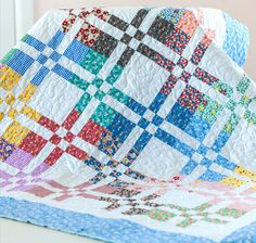 takes 2 charm packs and yardage - also makes a nice pillow Hope Chest by Penny Rose Fabrics for Riley Blake Designs Quilting Tutorials, Quilting Projects, Quilting Designs, Quilting Ideas, Scrappy Quilts, Easy Quilts, Patch Quilt, Quilt Blocks, Layer Cake Quilts